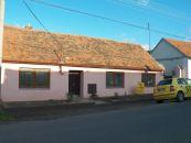 Rodinný dům na prodej, Hostěradice / Chlupice
