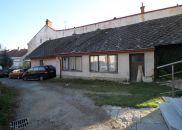 Rodinný dům na prodej, Počátky
