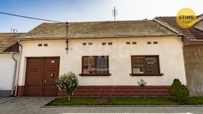 Rodinný dům, Hevlín - fotografie č. 1