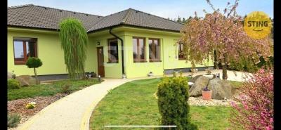 Rodinný dům, Kozlany - fotografie č. 1